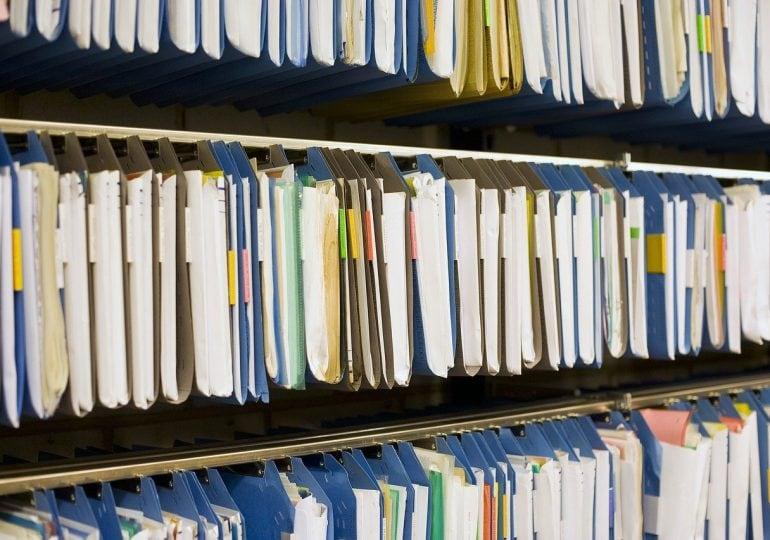 Przechowywanie dokumentów związanych z zatrudnieniem