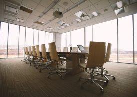 Obsługa prawna dla firm. Kiedy warto skorzystać ze stałych usług kancelarii?