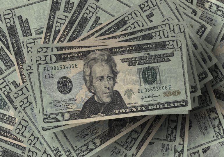 Kurs dolara najniższy od 2 lat. Ile teraz wynosi