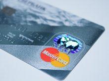 Czym jest karta wielowalutowa i dlaczego warto ją mieć?
