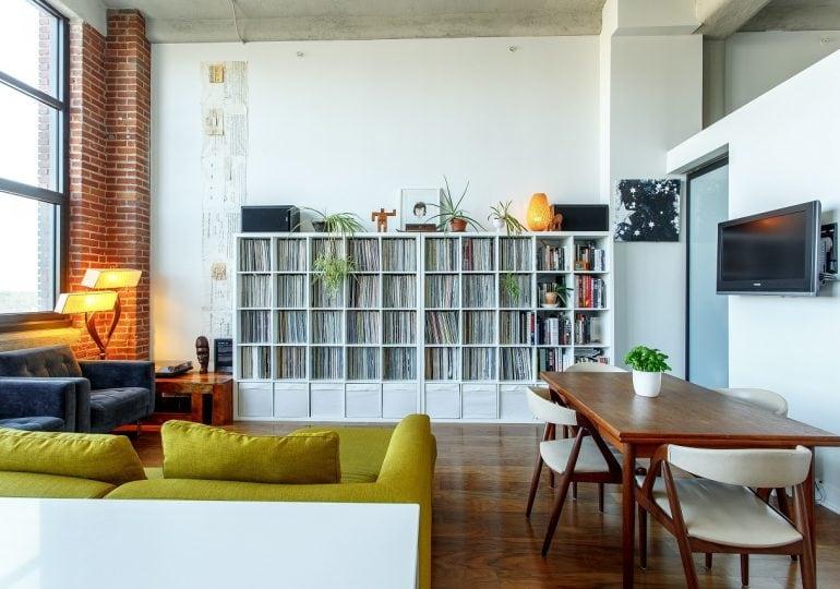 Lepiej kupić czy wynająć mieszkanie? Rozstrzygamy dylemat młodej pary